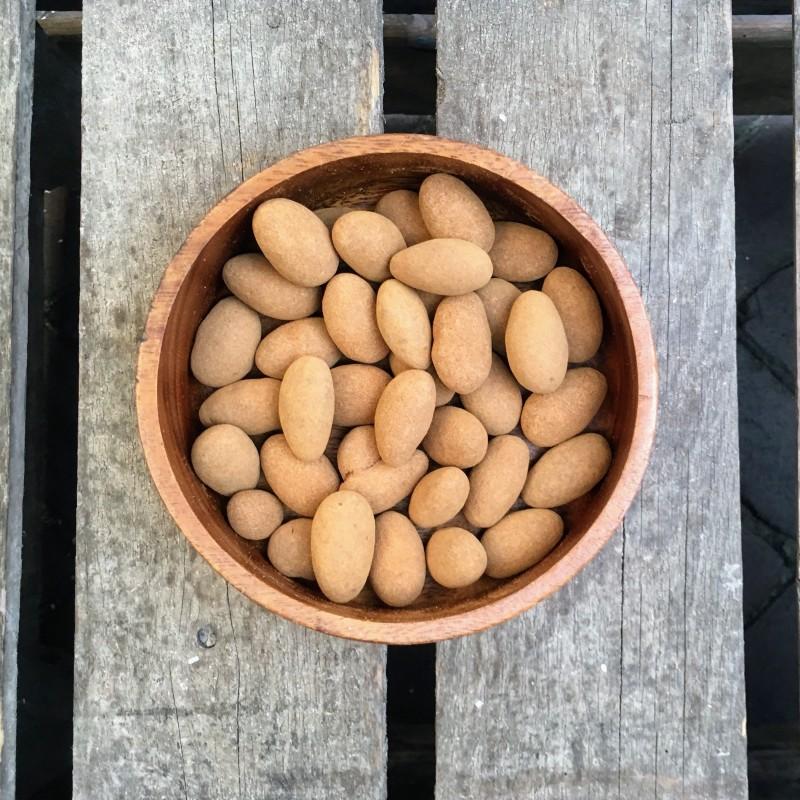Chocolade Choco kaneel amandelen Verse gezonde noten