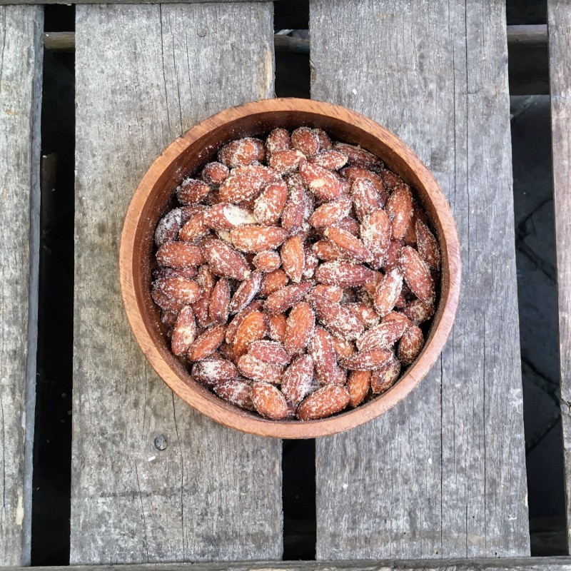 Gerookte amandelen Gerookte amandelen Verse gezonde noten