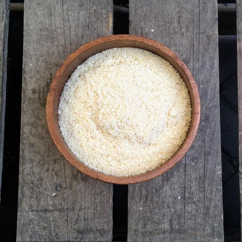 Bakken met amandelen Amandelmeel Verse gezonde noten