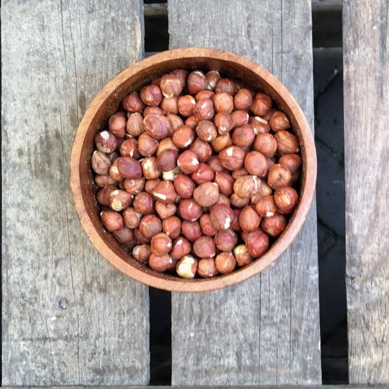Hazelnoten Ongebrande hazelnoten met vlies Verse gezonde noten