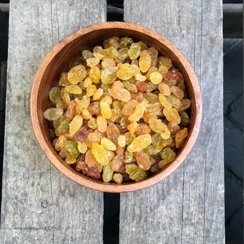 Rozijnen Kleine gele rozijnen Verse gezonde noten